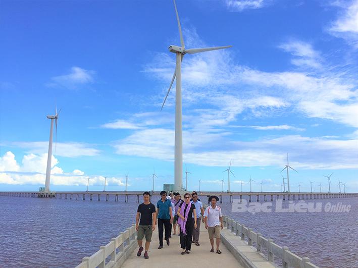 Khu điện gió Bạc Liêu được công nhận điểm du lịch tiêu biểu ĐBSCL