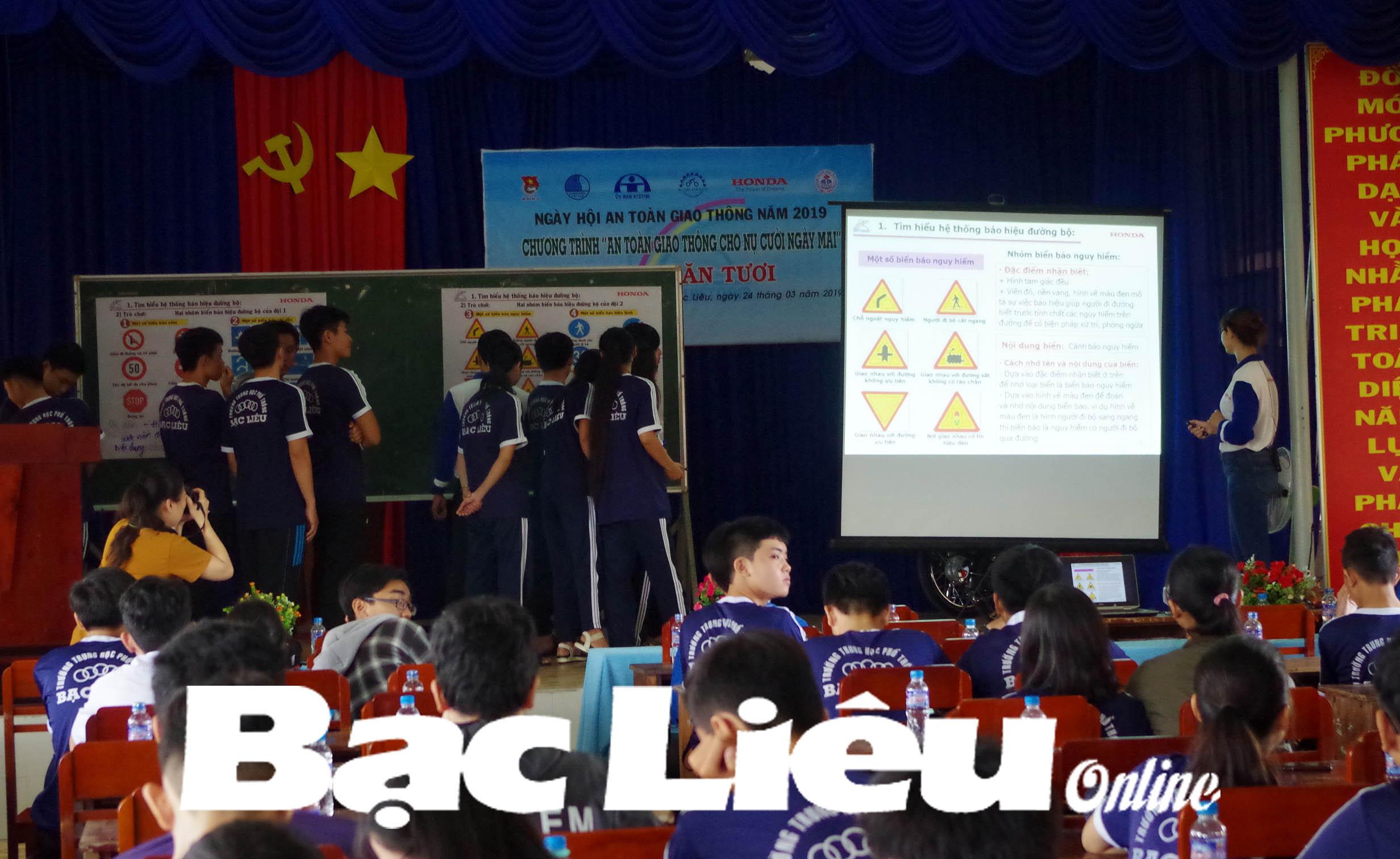 Học sinh trường THPT Bạc Liêu được tập huấn kiến thức an toàn giao thông