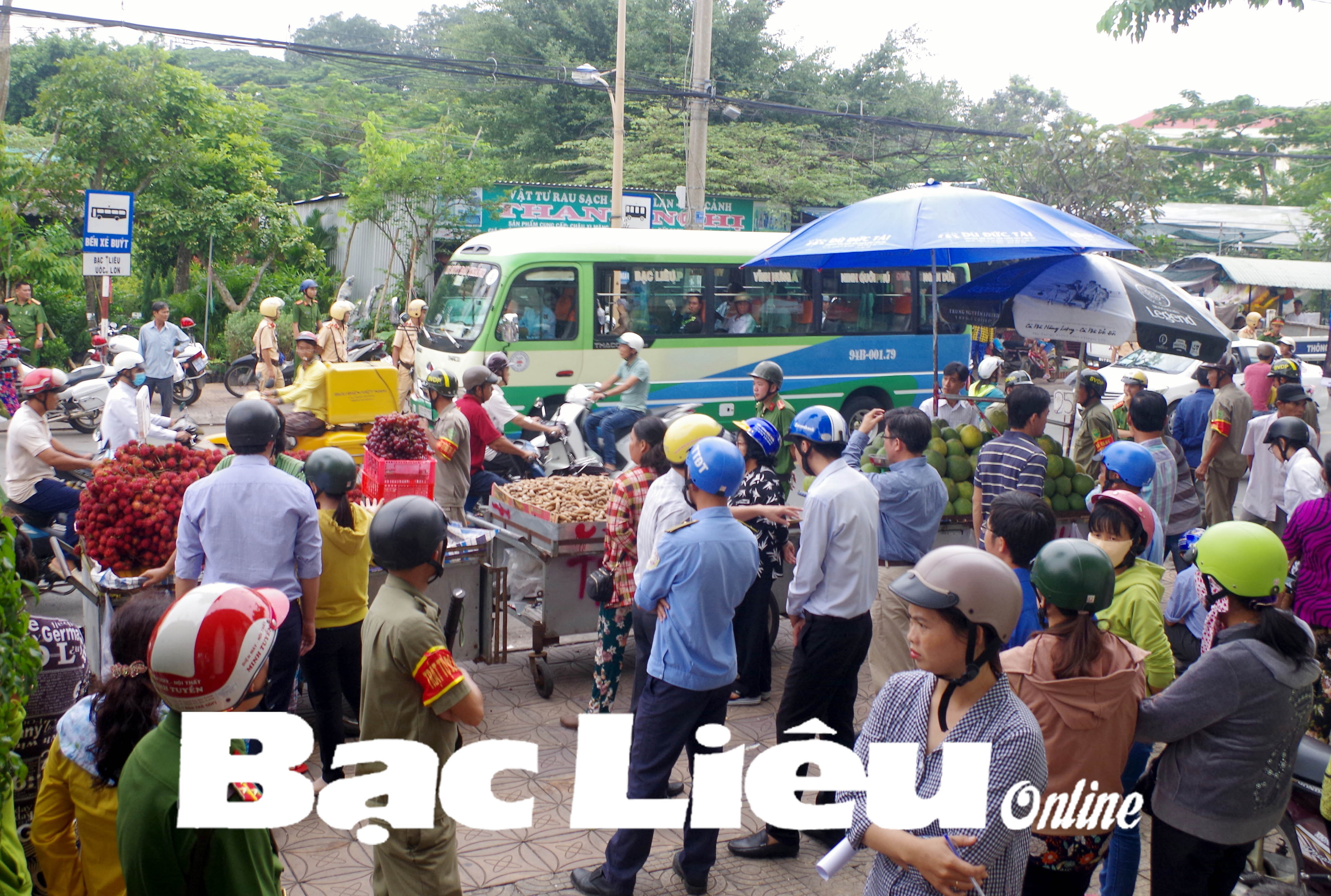 TP. Bạc Liêu: Ra quân lập lại trật tự khu vực Bệnh viện Đa khoa tỉnh