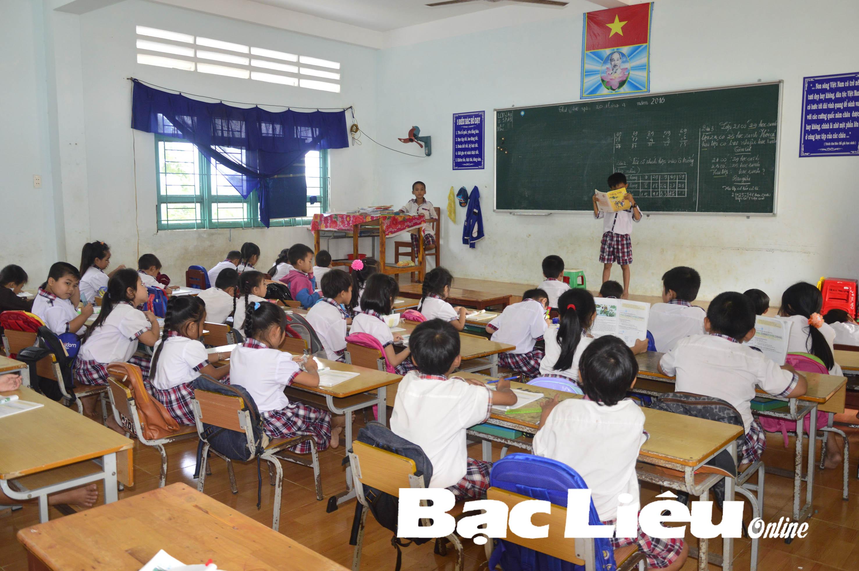 Giảm tải chương trình cho học sinh các cấp: Không để tình trạng học sinh lớp 1 không biết đọc, biết viết khi lên lớp 2