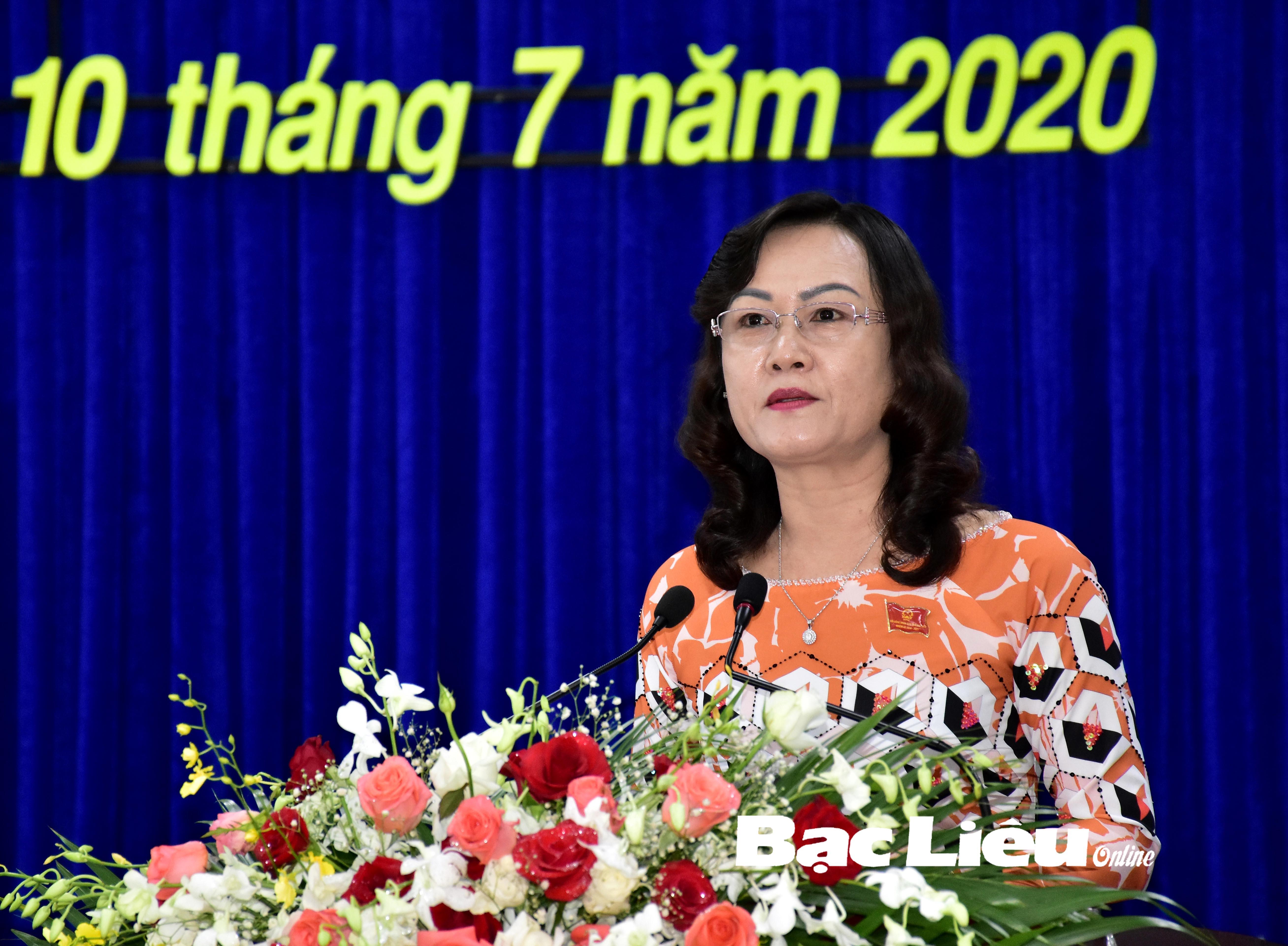 Bế mạc kỳ họp thứ 14, HĐND tỉnh khóa IX, nhiệm kỳ 2016 - 2021: Xem xét, quyết định ban hành 16 Nghị quyết