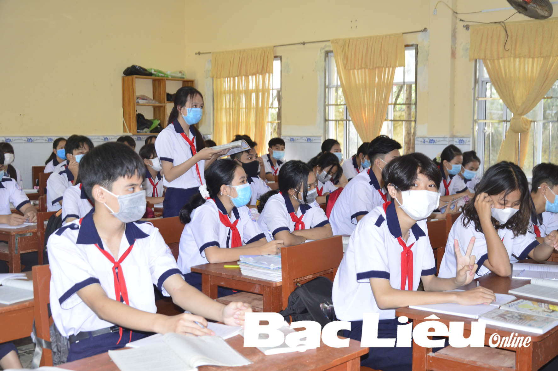 Ngành GD-ĐT huyện Hòa Bình: Tích cực vận động học sinh trở lại lớp