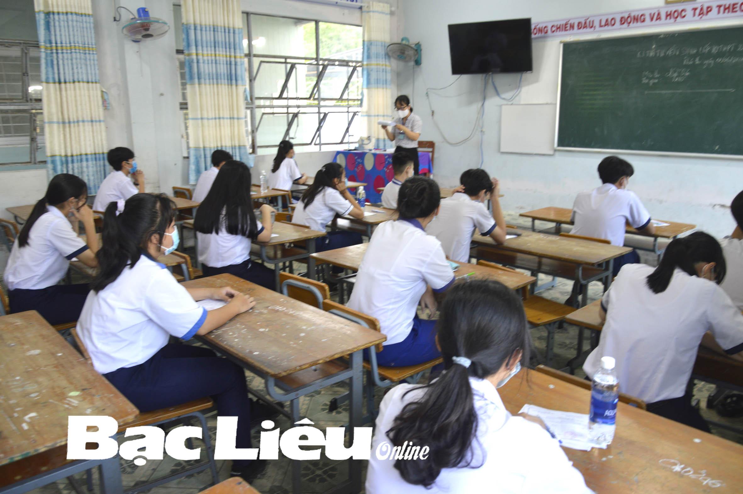 Tuyển sinh vào lớp 10 THPT năm học 2021 - 2022: Chênh lệch điểm sàn giữa các trường