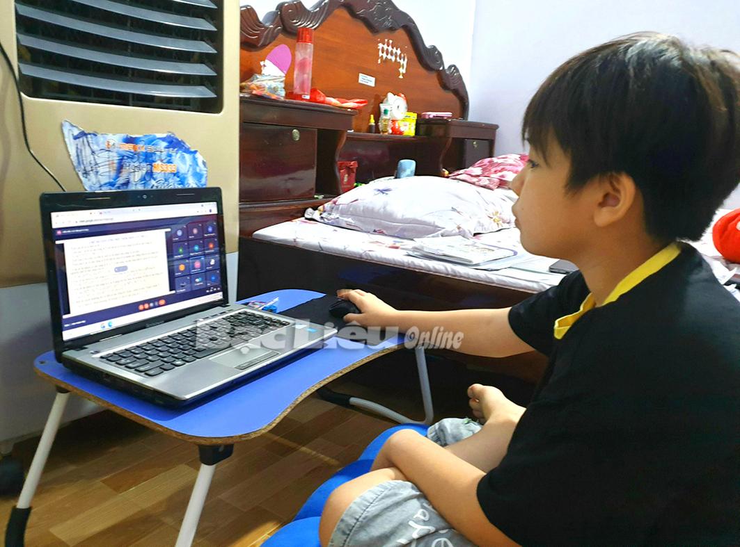 Dạy - học trực tuyến: Cần sự nỗ lực nhiều hơn của thầy và trò